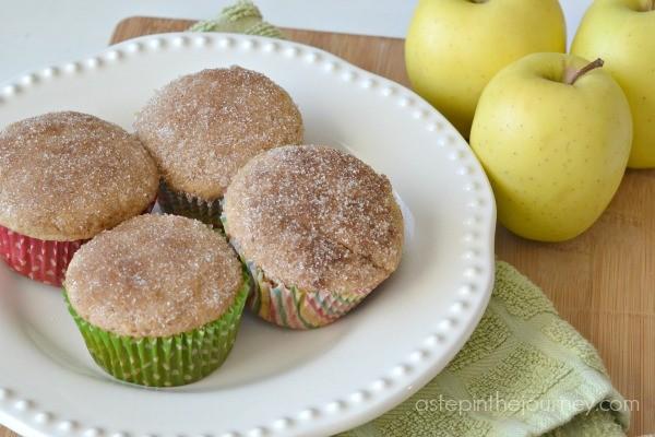 applesauce_cinnamon_muffins